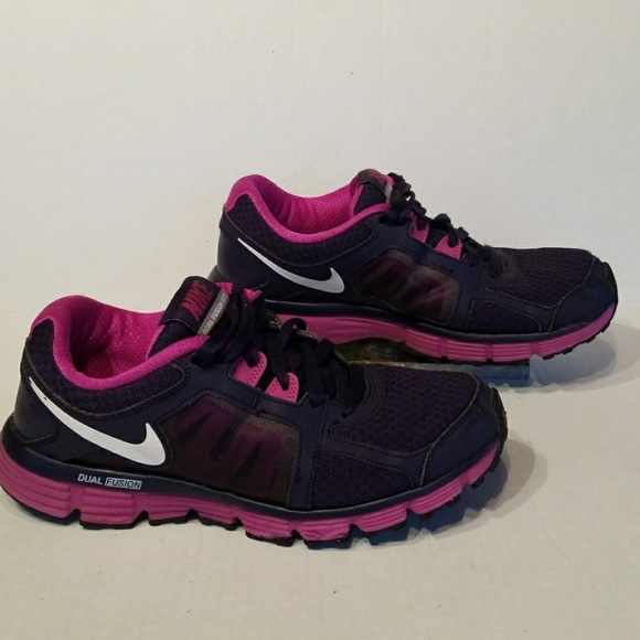 Nike Dual Fusion ST 2 women's shoes size 8